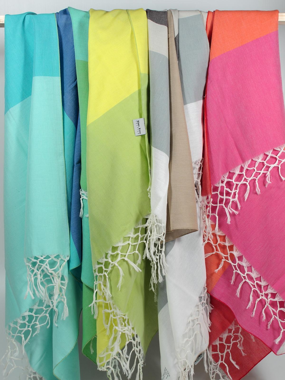 Poppy shawls